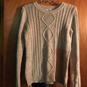 Med Ladies Old Navy Gray Cable Knit Sweater